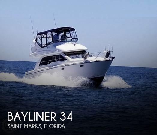 2001 Bayliner 3488 Command Bridge