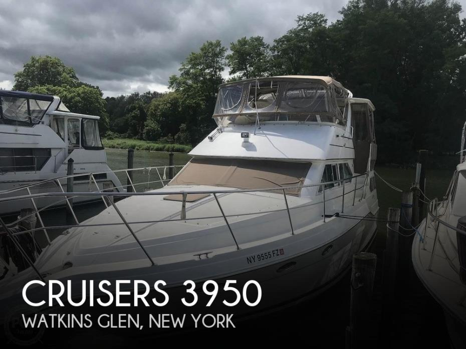 1997 Cruisers Yachts 3950 Aft Cabin