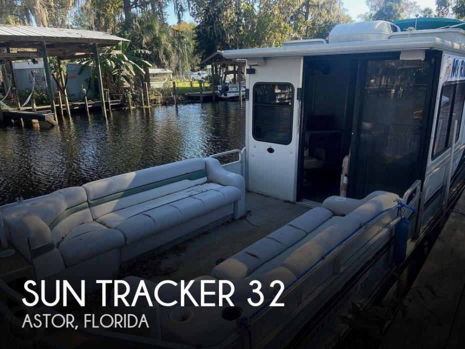 2000 Sun Tracker 32 Party Cruiser