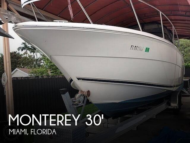 2000 Monterey 302 Express Cruise
