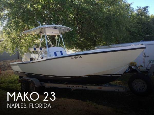 1982 Mako 235