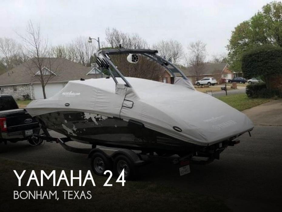 2016 Yamaha 24