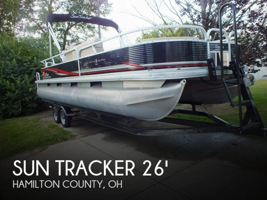 2012 Sun Tracker FISHIN' BARGE 24 DLX