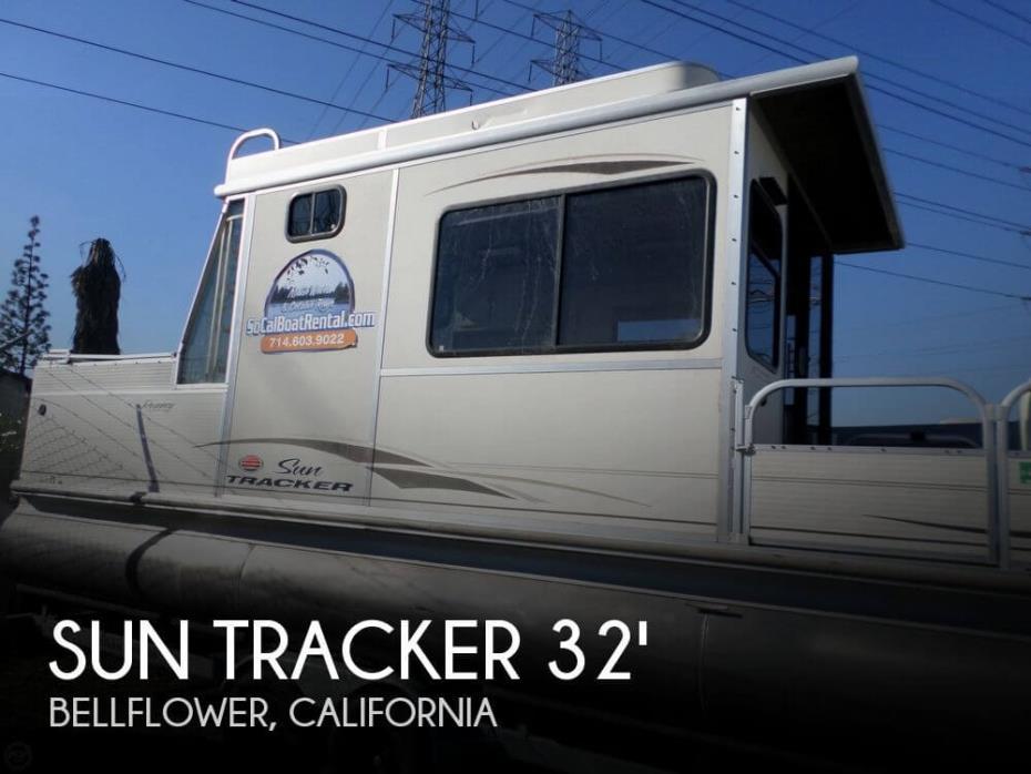 2005 Sun Tracker 32 Party Cruiser