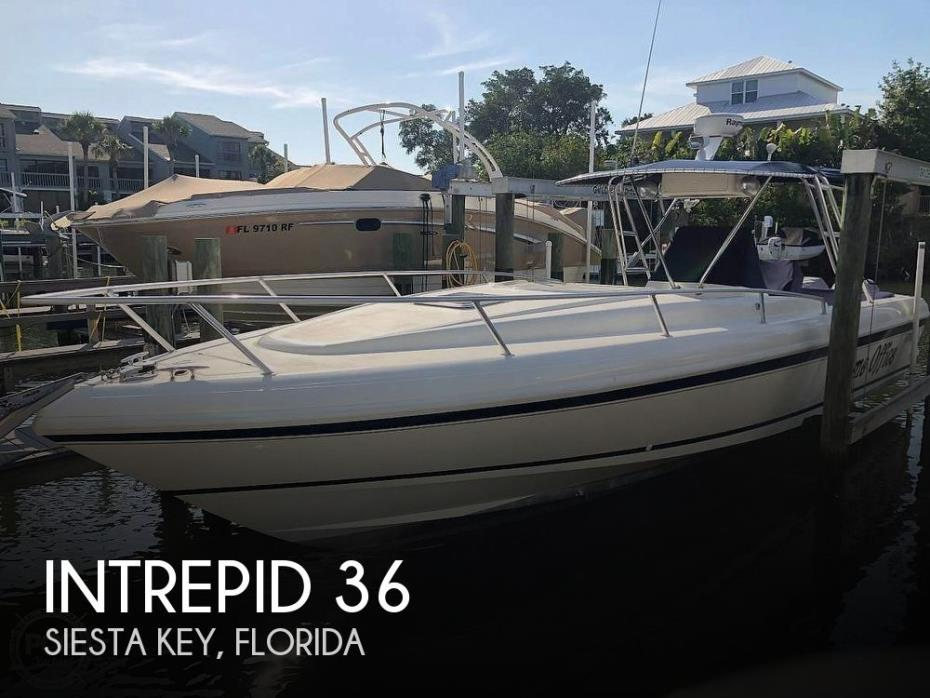 1997 Intrepid 356 Cuddy