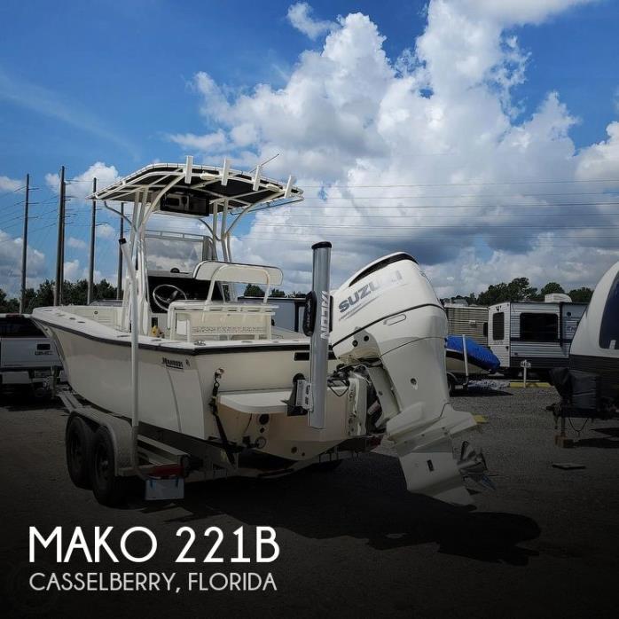 1992 Mako 221B
