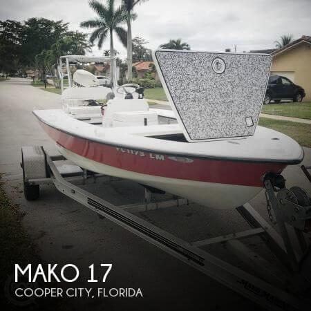 2001 Mako 17