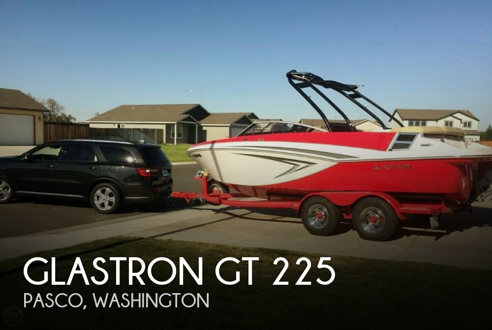 2015 Glastron GT 225
