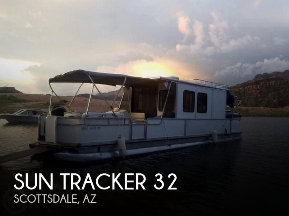 1995 Sun Tracker 32