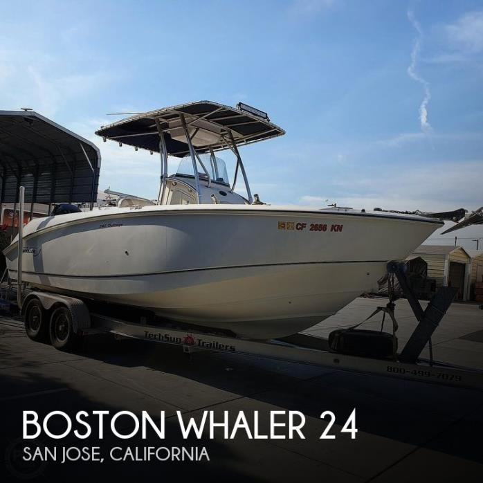 2005 Boston Whaler 240 Outrage