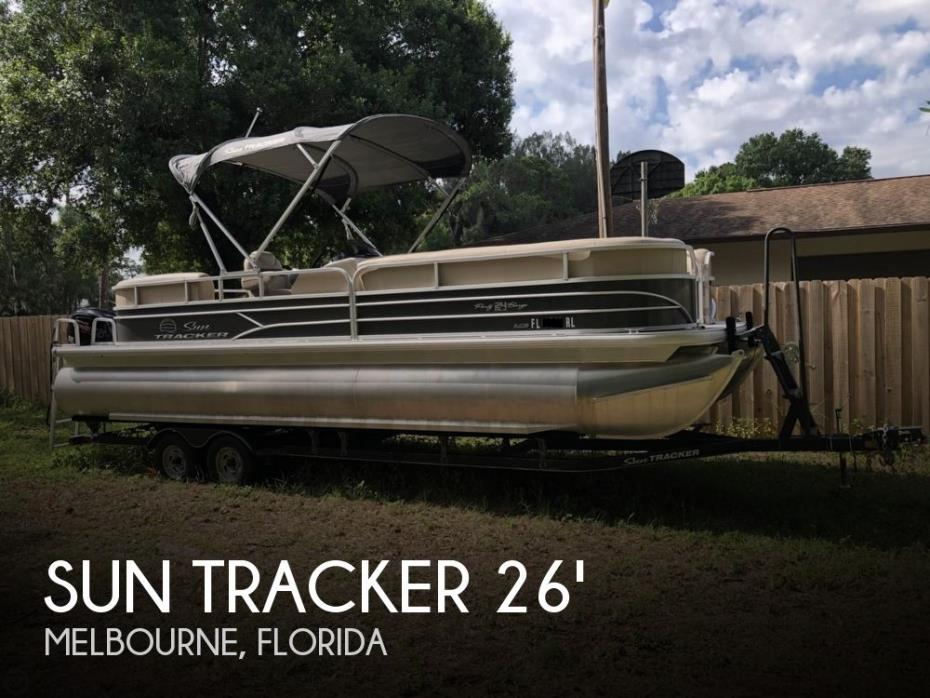2017 Sun Tracker Party Barge 24 DLX XP3