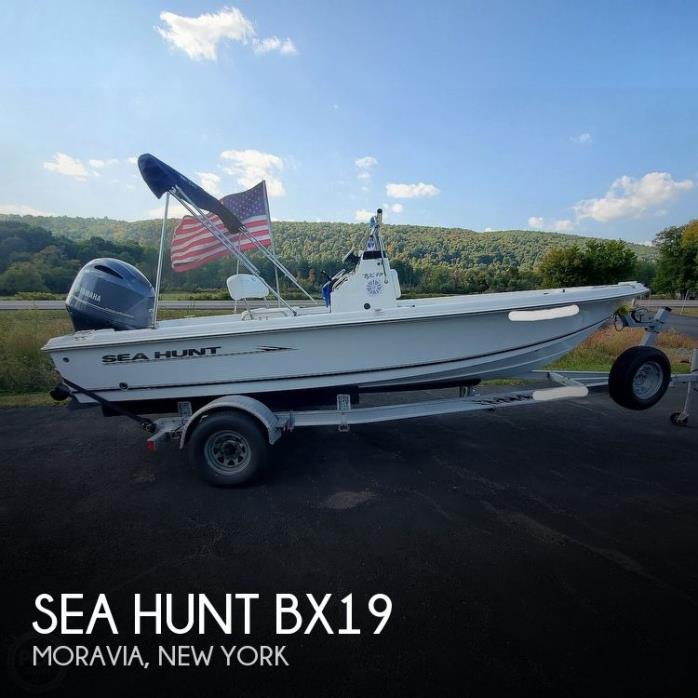 2010 Sea Hunt Bx19