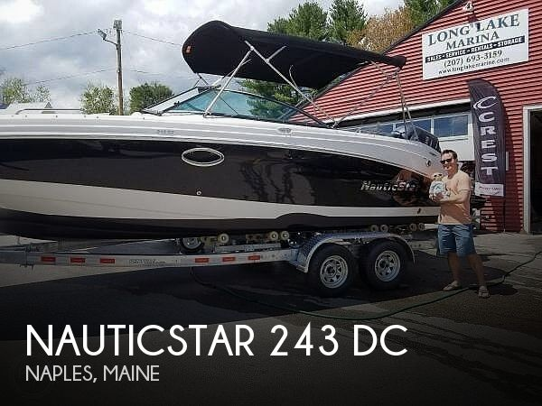 2017 NauticStar 243 DC