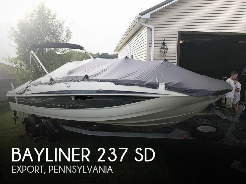 2008 Bayliner 237 SD