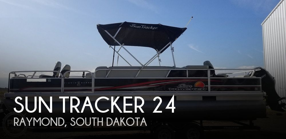 2012 Sun Tracker 24 DLX FIshin Barge