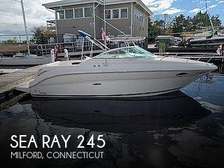 2004 Sea Ray Weekender 245
