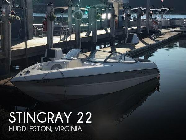 2005 Stingray 230LX