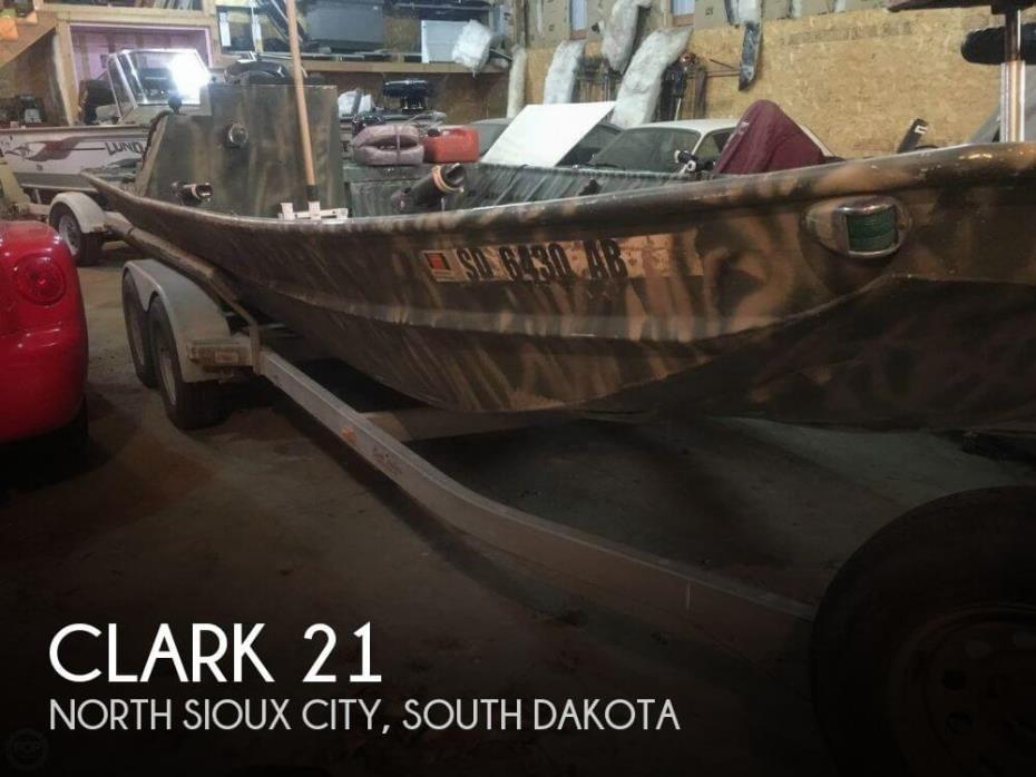 2003 Clark Boat Company Custom 21