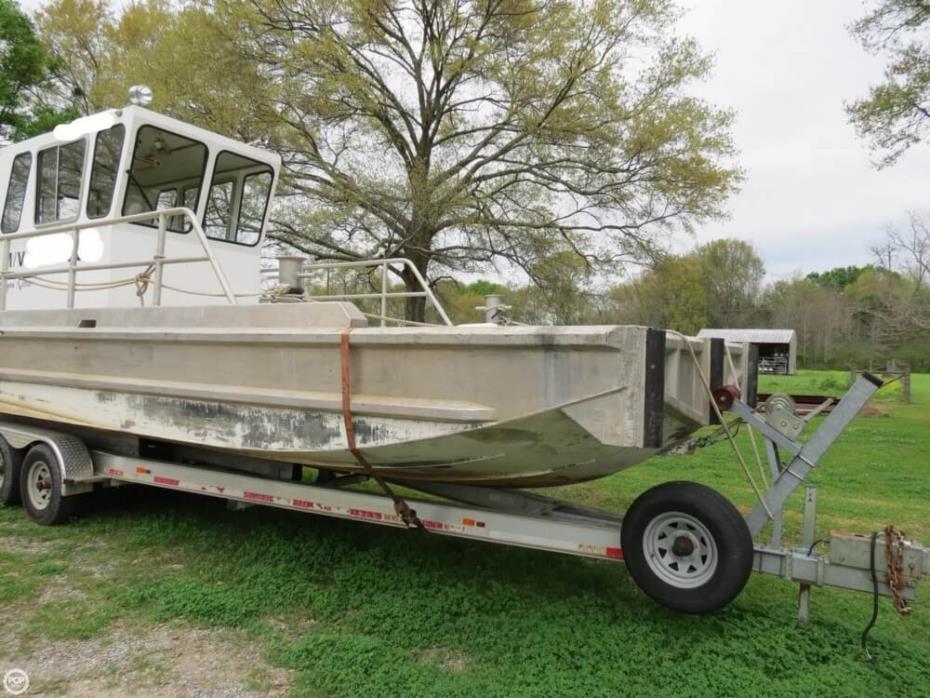2010 Hankos 30 Vee Barge