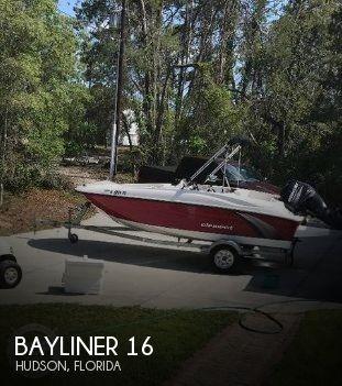 2015 Bayliner 16