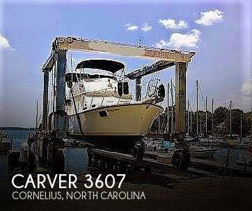 1984 Carver 3607 Aft Cabin