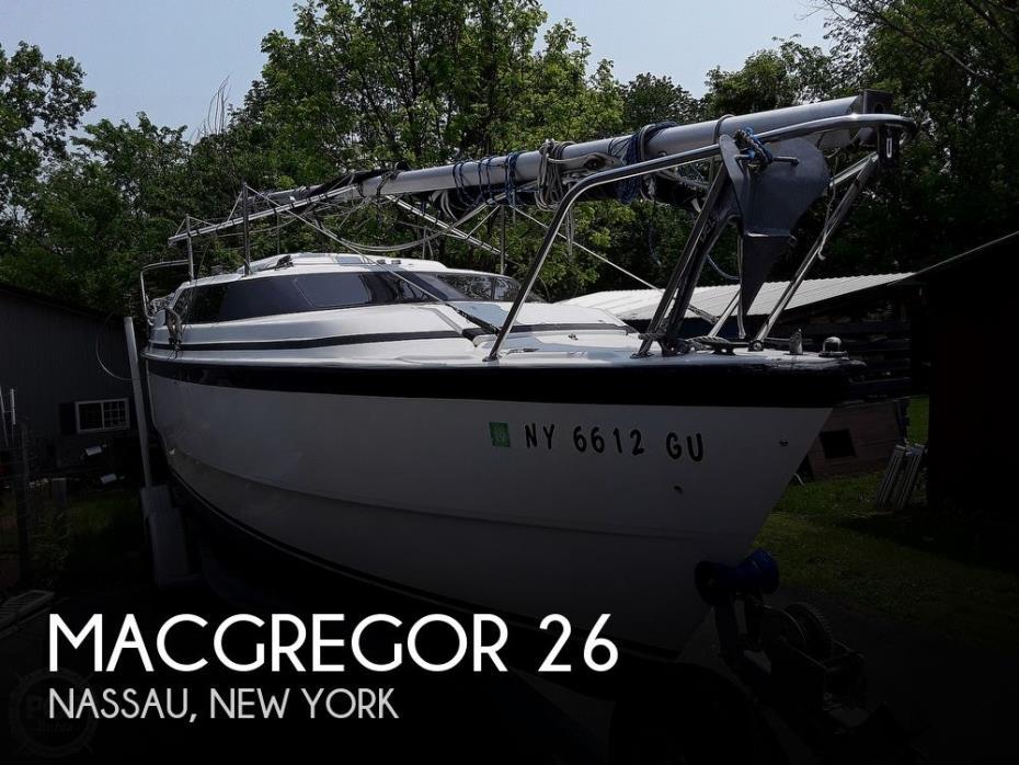1998 MacGregor 26M