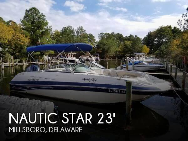 2011 Nautic Star 230 DC Sport Deck