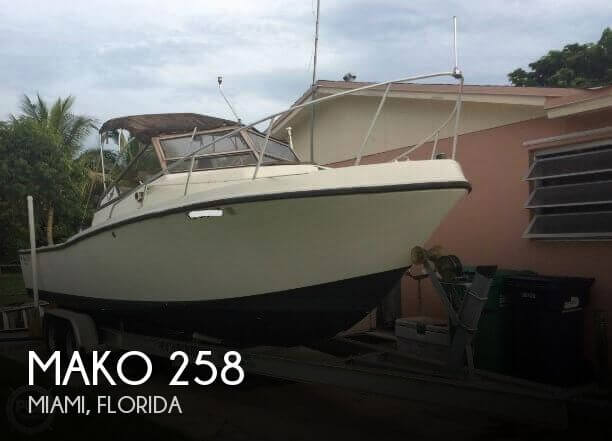 1986 Mako 258