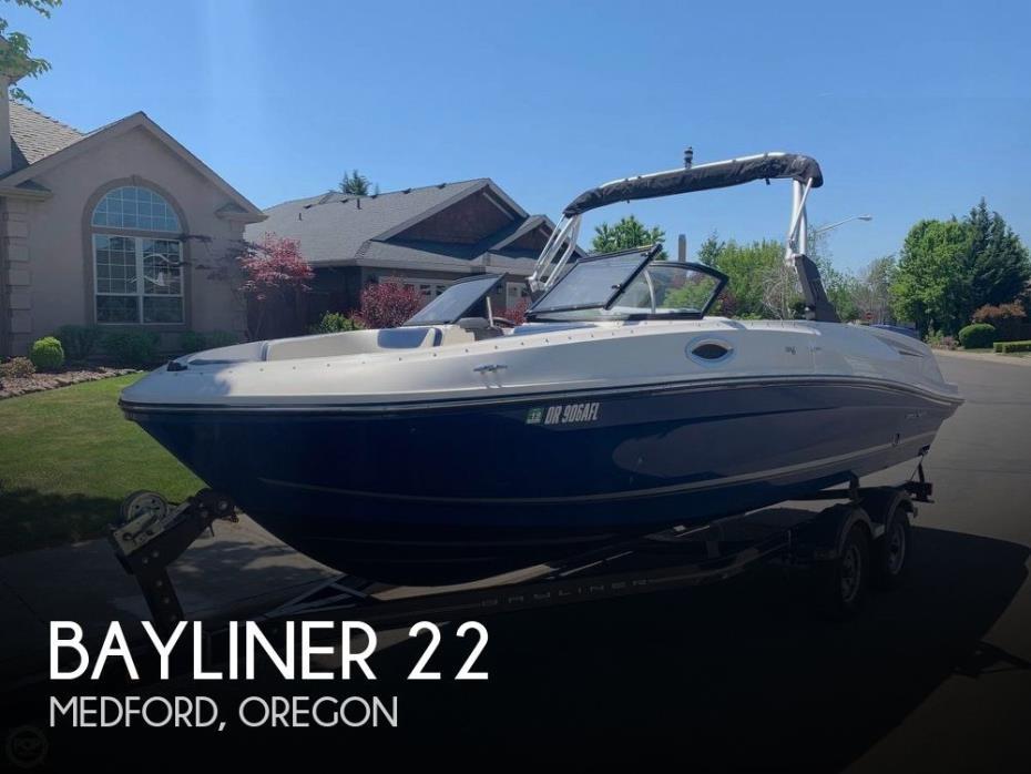 2016 Bayliner 22 VR6 Bowrider