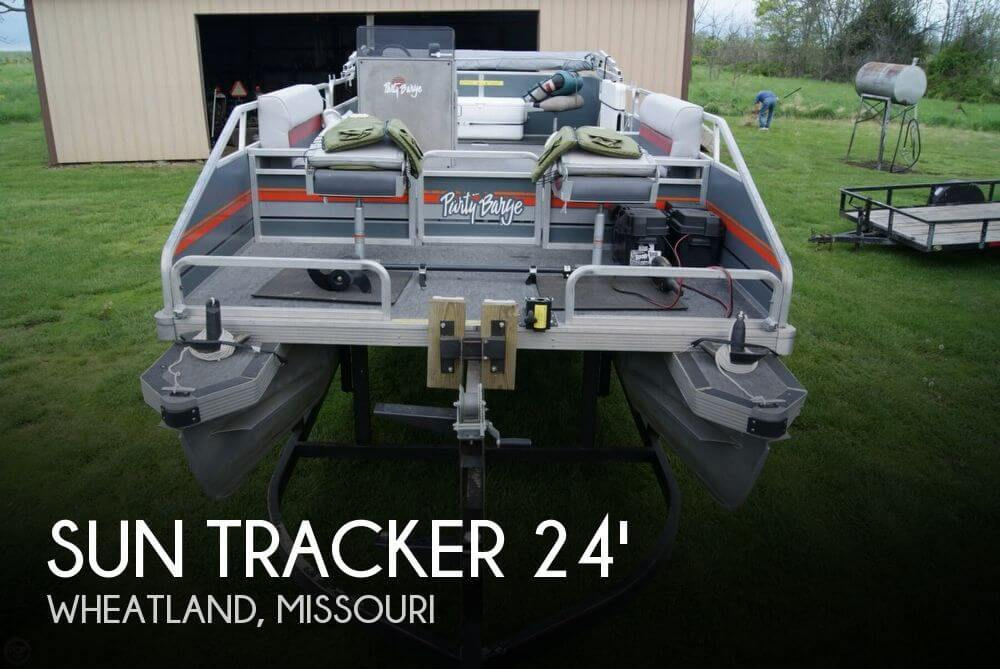 1986 Sun Tracker 24 Party Barge