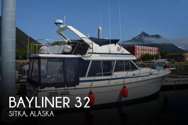 1988 Bayliner 3218 Aft Cabin