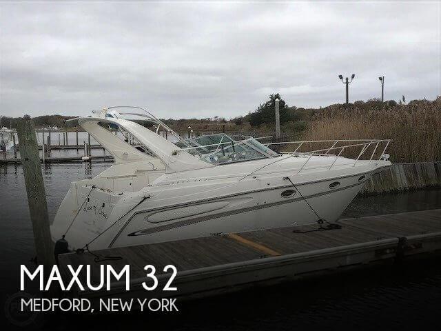 1999 Maxum 3000 SCR