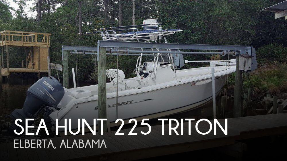 2011 Sea Hunt 225 Triton
