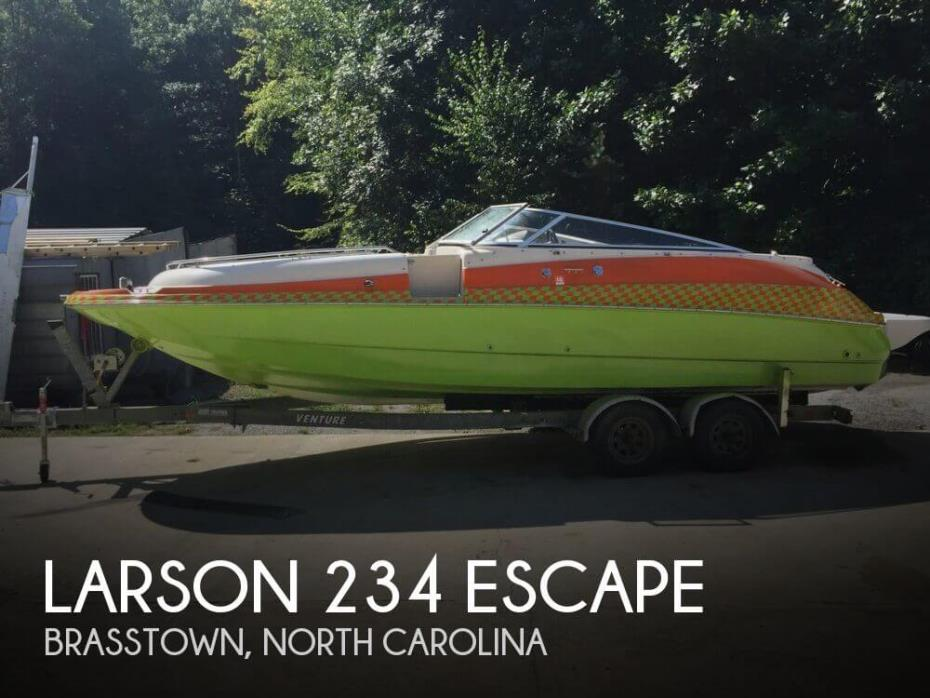 2002 Larson 234 Escape