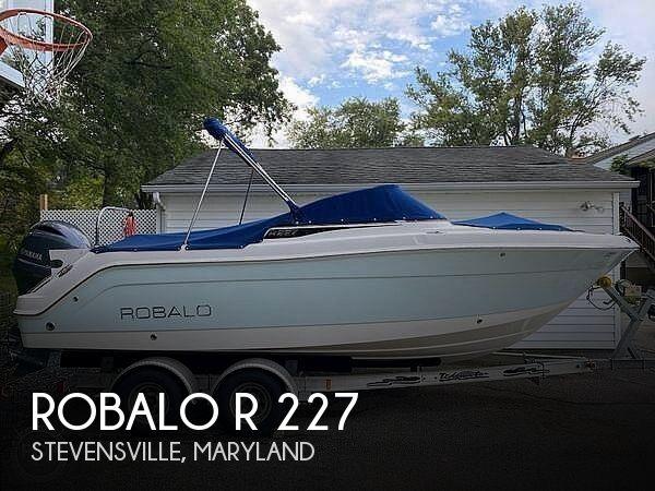 2015 Robalo R 227