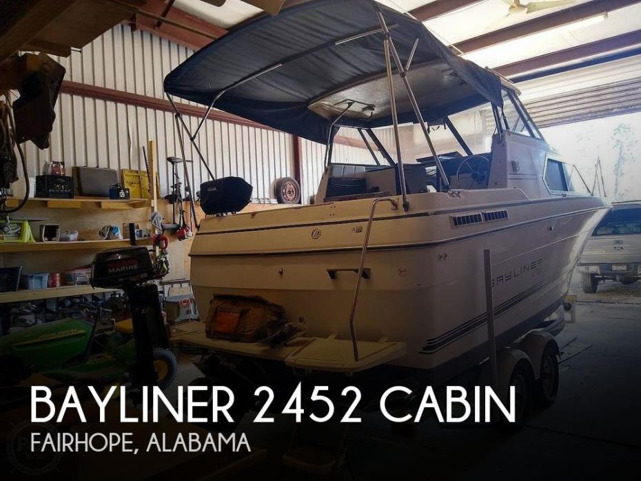 1993 Bayliner 2452 Cabin