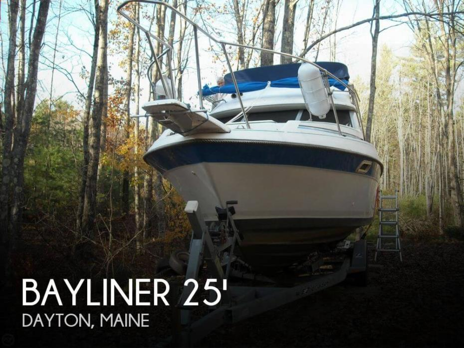 1988 Bayliner 2560 Convertible