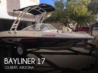 2015 Bayliner 17