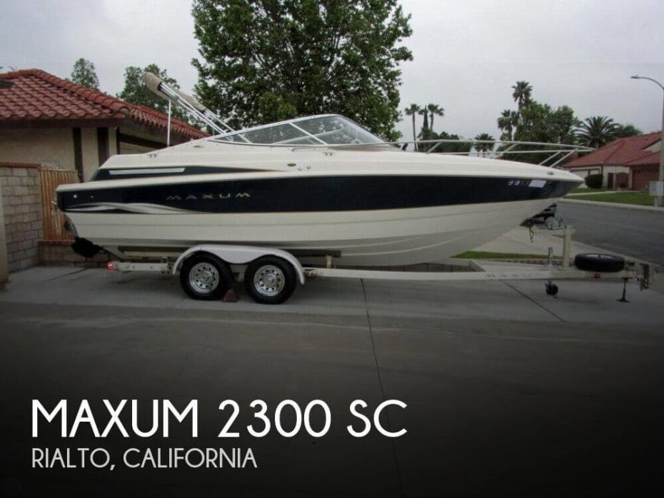 2000 Maxum 2300 SC