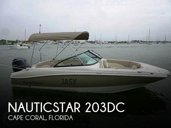2017 NauticStar 203DC