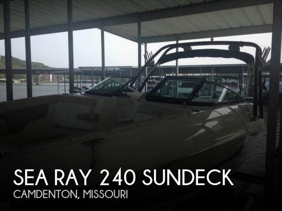 2013 Sea Ray 240 Sundeck