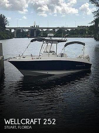 2007 Wellcraft 252 Fisherman