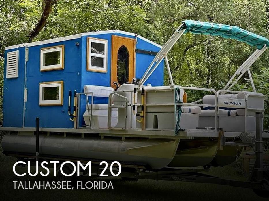 1995 Custom Cabin Tritoon