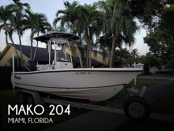 2009 Mako 204