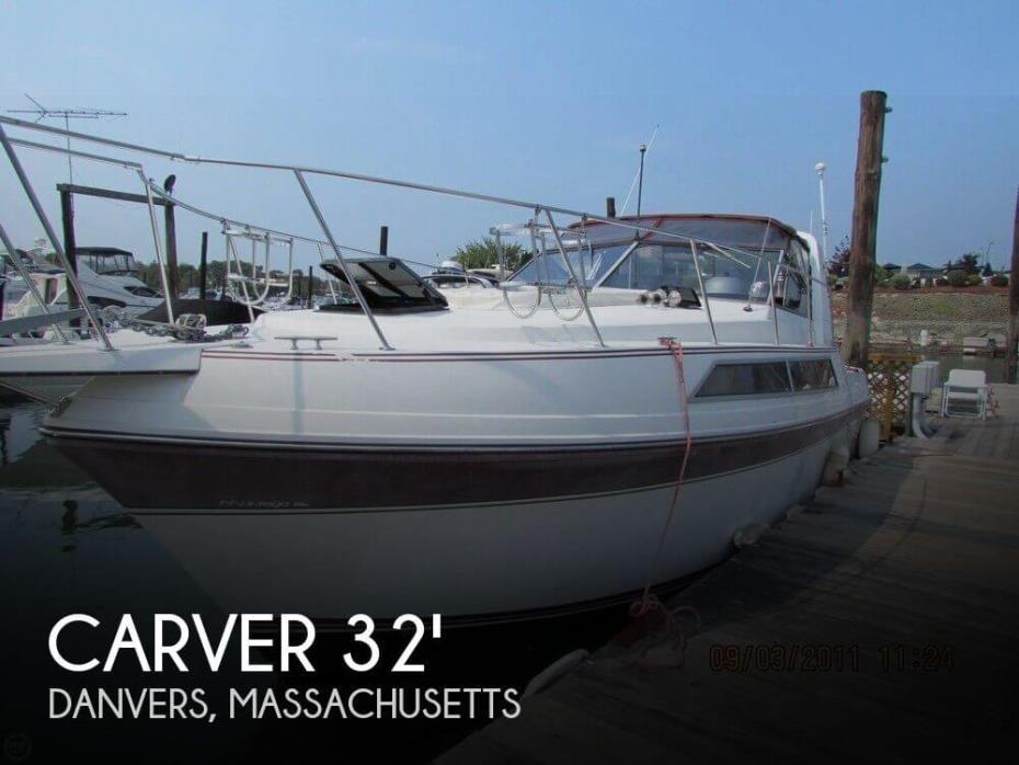 1989 Carver Montego 3257 Mid Cabin