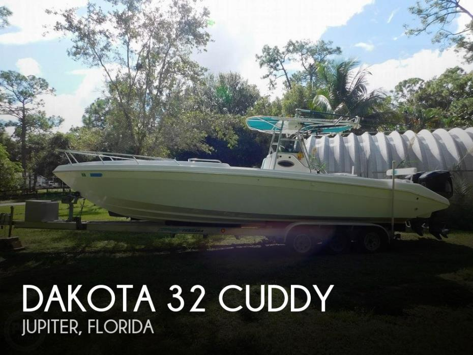1998 Dakota 32 Cuddy