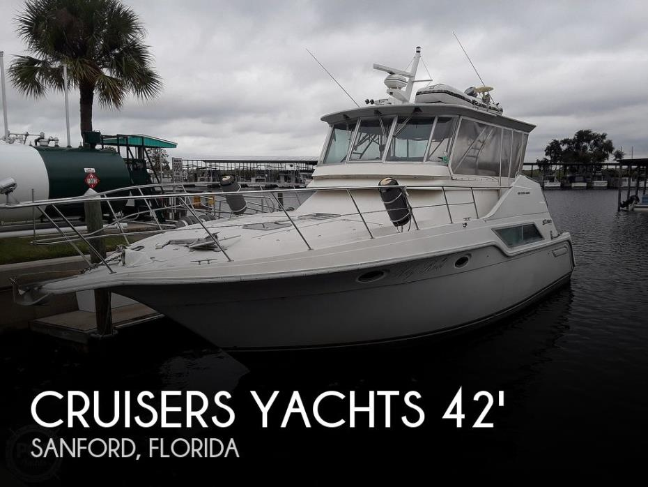 1989 Cruisers Yachts 4280 Express Bridge