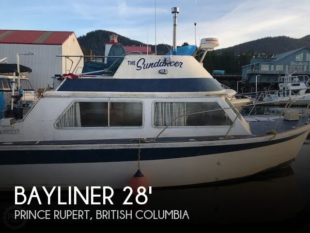 1974 Bayliner Victoria 2750 Command Bridge