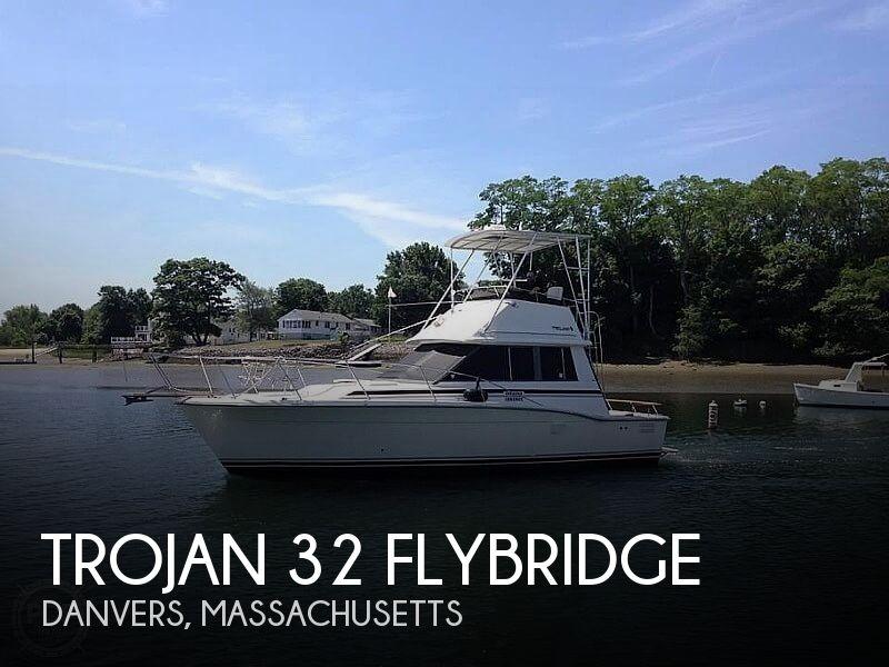 1988 Trojan 32 Sedan Flybridge