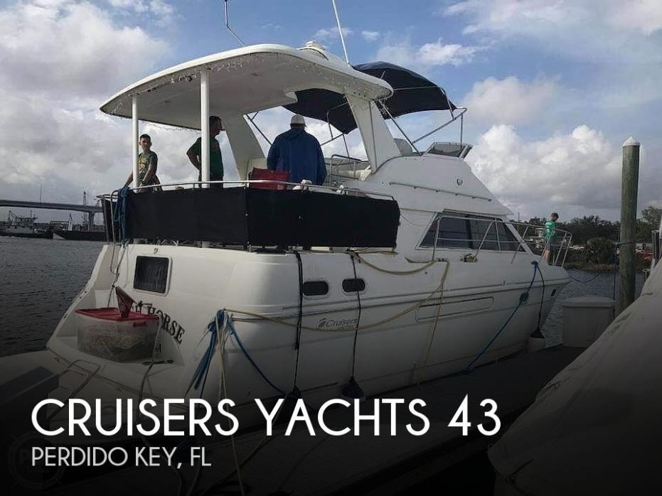 1998 Cruisers Yachts 3650 MY